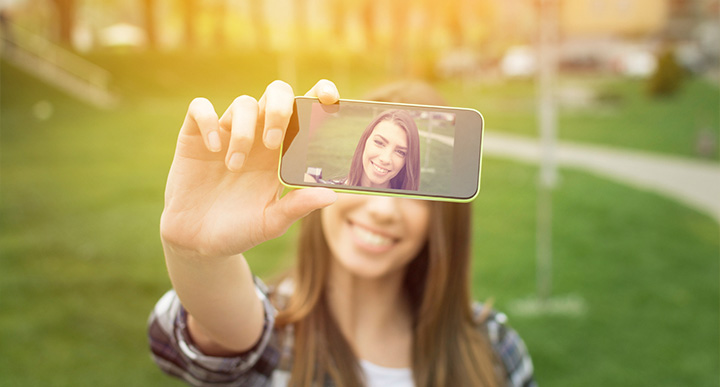 Selfies in the world of E-commerce. What can we learn?