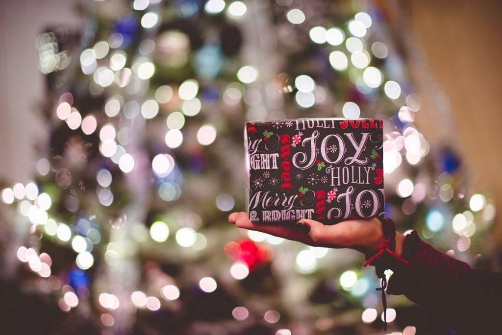 Christmas shopping-Superb